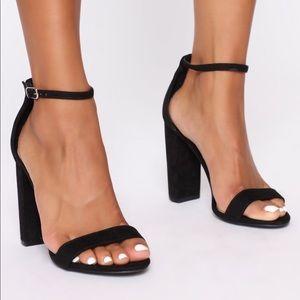 Fashion Nova Black Chunky Heel Sandals 7.5